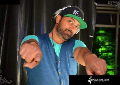 Play Music Swiss – Male DJ 1 EN