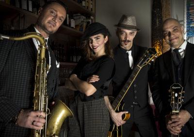 Play Music Swiss – Chansonniers EN
