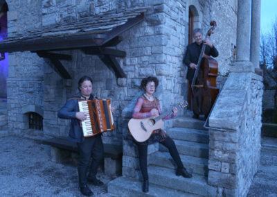 Play Music Swiss – Les Chats Noirs EN