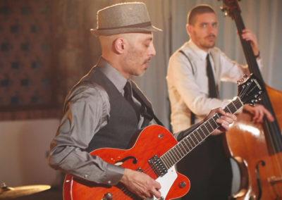 Play Music Swiss – Band Swing & Jive EN