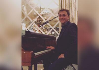 Play Music Swiss – Pianist 2 EN