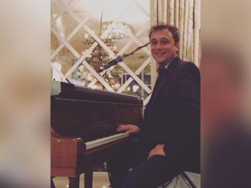 Play Music Swiss – Pianist 2