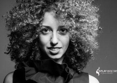 Play Music Swiss – Female Singer 2 EN