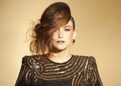 Play Music Swiss – Female Singer 9 EN