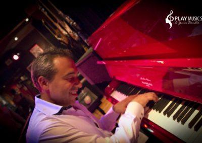 Play Music Swiss – Pianista Cantante 2 EN
