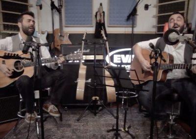 Play Music Swiss – Acoustic Duo 5 EN