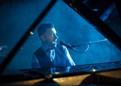 Play Music Swiss – Pianista Cantante 8 EN