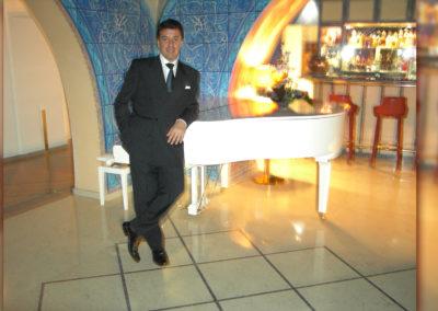 Play Music Swiss – Pianist 6 EN