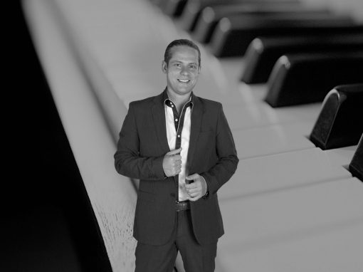 Play Music Swiss – Pianista Cantante 13