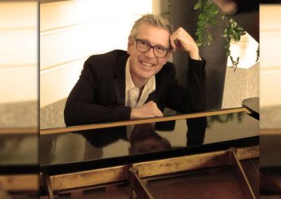 Play Music Swiss – Pianista Cantante 14 EN